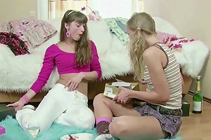 18yr Old Petite Teens In First Time Lesbian Sex
